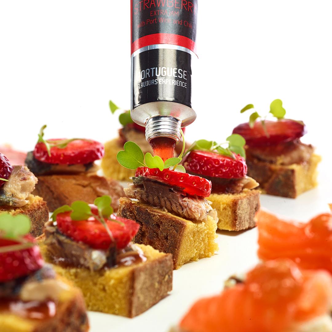 confiture de fraise au vin de porto et piment rouge meia d zia portuguese experience flavours. Black Bedroom Furniture Sets. Home Design Ideas